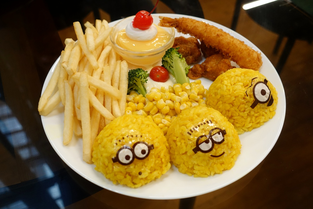 Minions Cafe Singapore Orchard Central | joanne-khoo.com