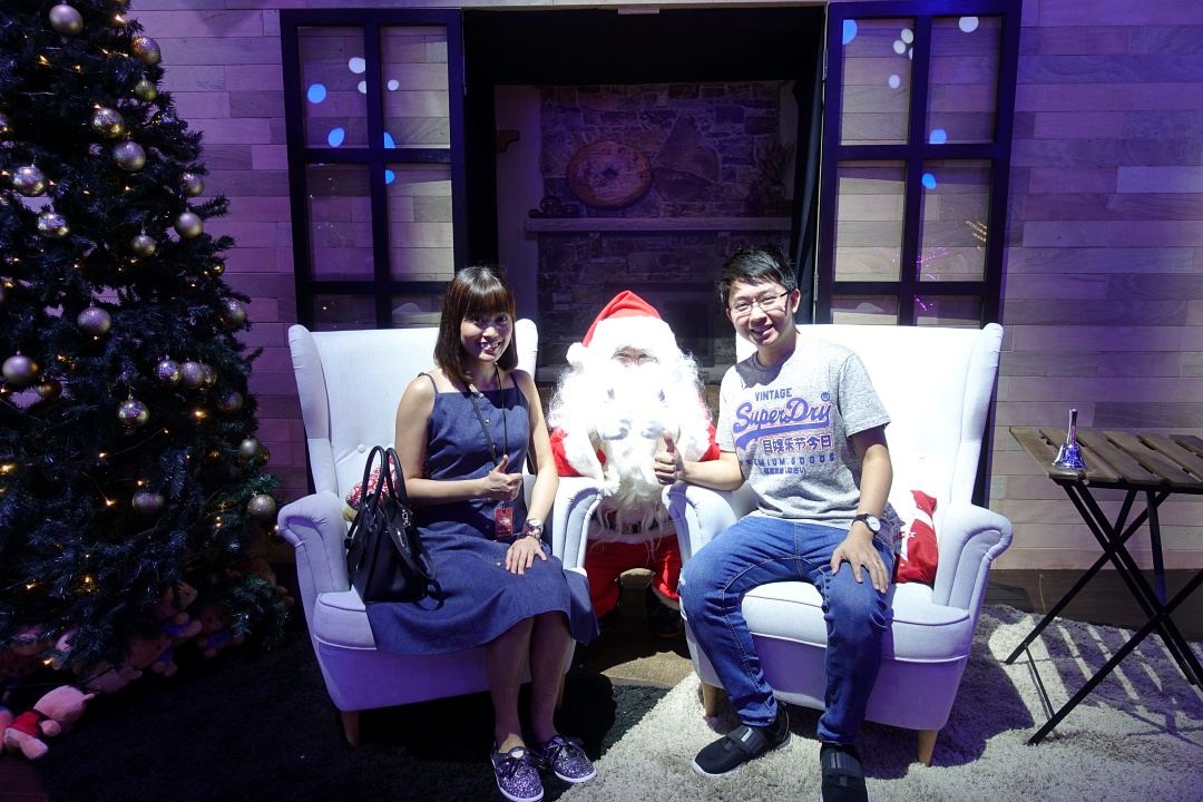 2018 Christmas Wonderland at Gardens by the Bay - Santa Grotto's | joanne-khoo.com