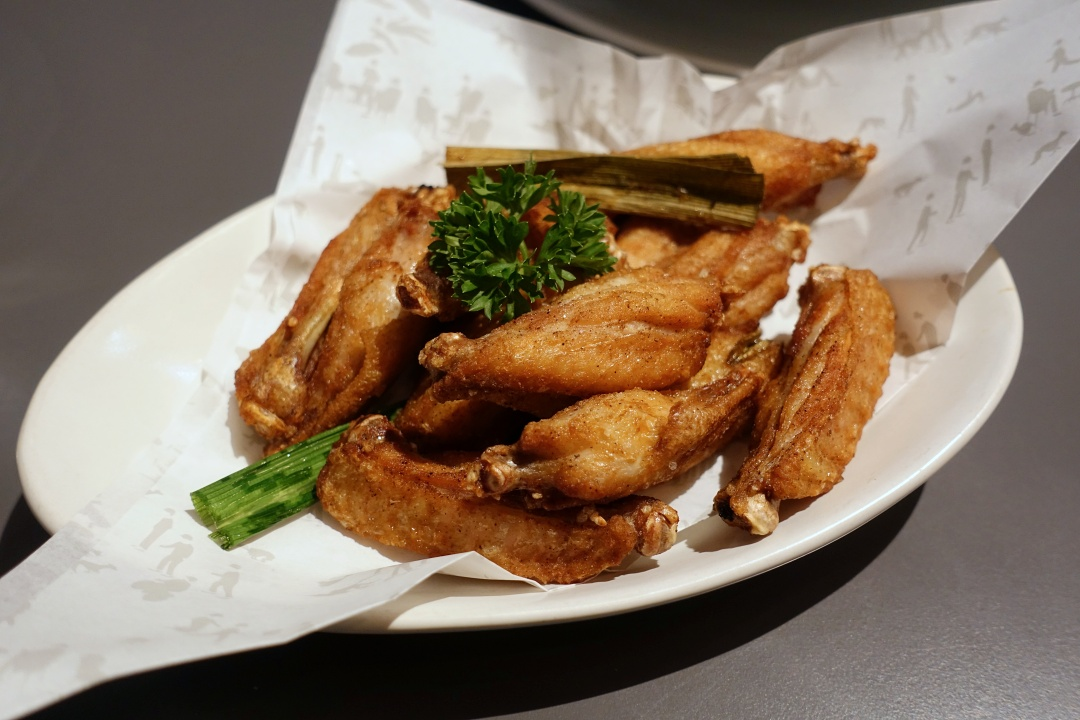 August 2018 Bangkok | Greyhound Cafe - Famous Fried Chicken Wings | joanne-khoo.com
