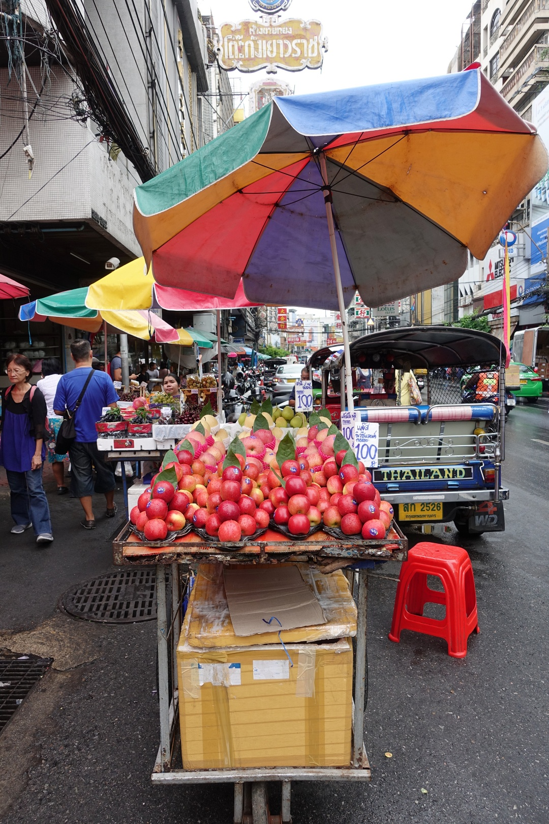 August 2018 Bangkok Chinatown - Fruits Stall | joanne-khoo.com