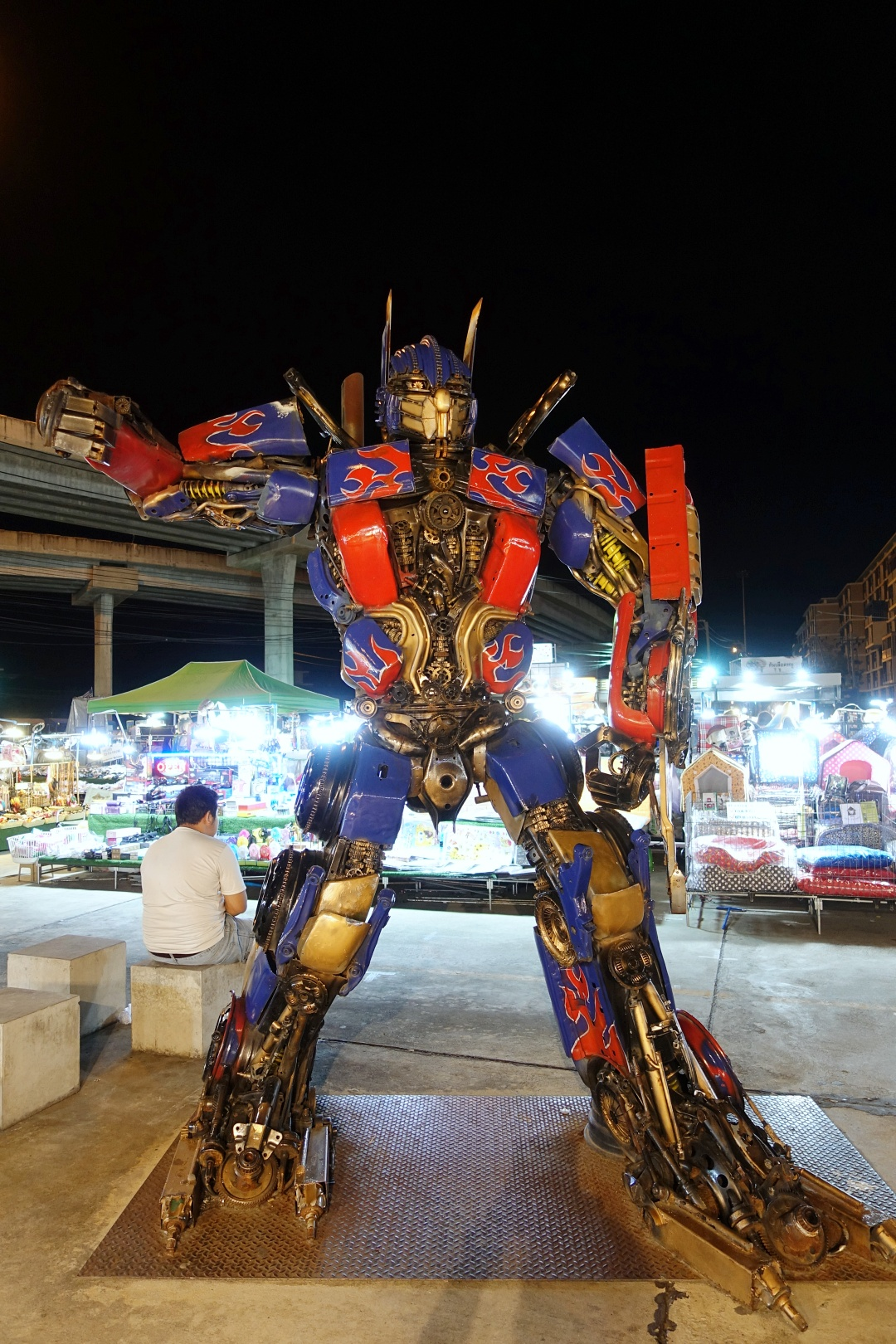 August 2018 Bangkok | Liab Duan Night Market - Optimus Prime | joanne-khoo.com