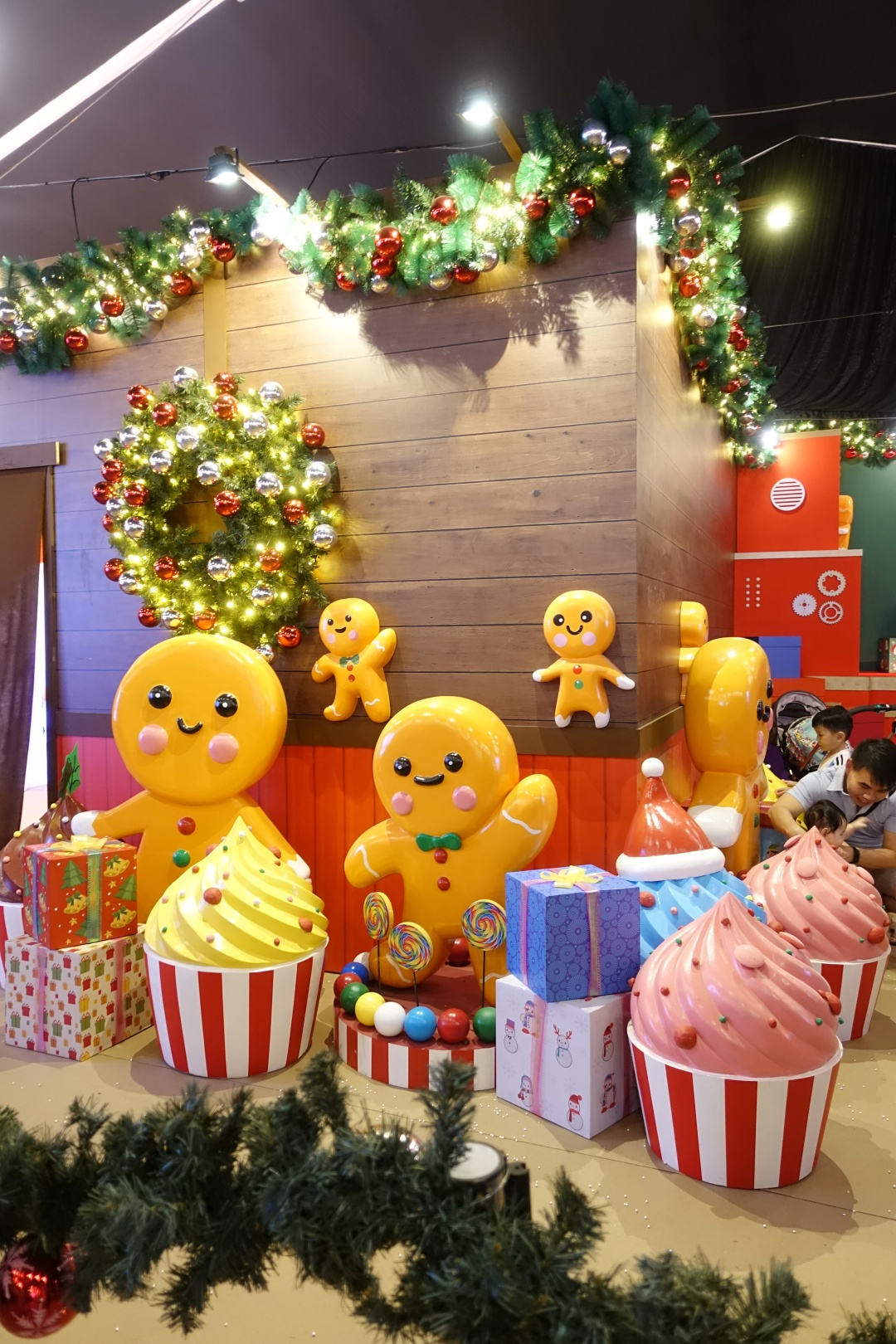 Christmas Wonderland 2019: Santa's Workshop | joanne-khoo.com
