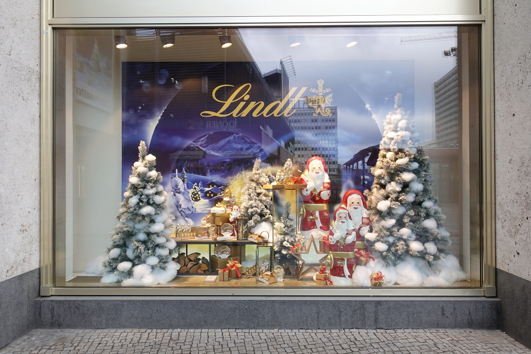 Lindt Window Display | joanne-khoo.com